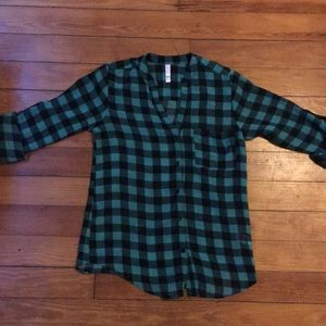 Green/Black Plaid Button-up Blouse